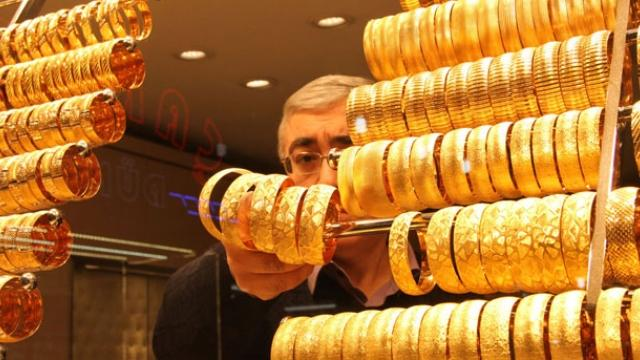 Turkey: Getting gold out from under Turkish mattresses